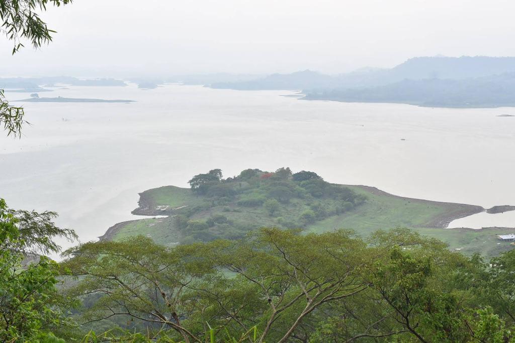 Vistas del Lago de Suchitlán desde el Museo Alejandro Cotto