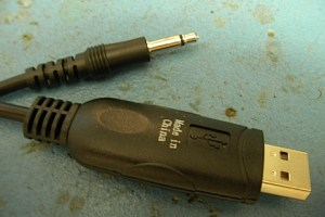 Cable de cat USB de ICOM por dentro