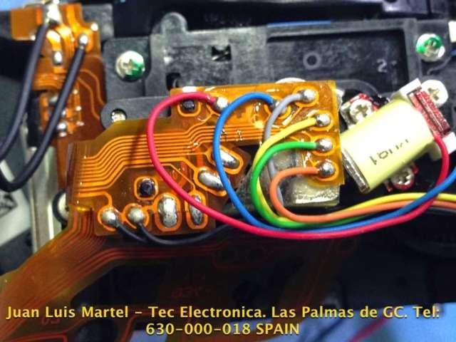 Conexiones eléctricas del mecanismo de secuencia y apertura de los espejos en cámara de fotos Nikon