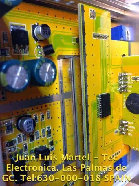 circuito oscilador PLL emisora de FM comercial en reparación
