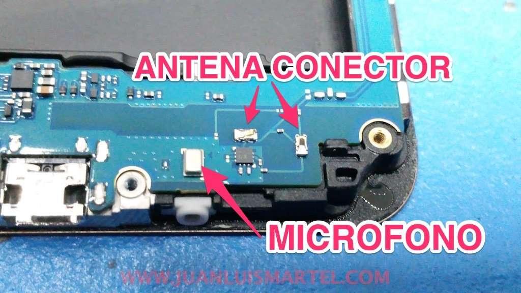 conectores de antena en el PCboard