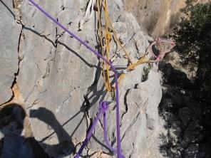 Reunión cordino-puente de roca