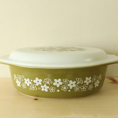 Vintage PYREX SPRING BLOSSOM CRAZY DAISY 2 1/2 QT. OVAL CASSEROLE  DISH W/ COVER