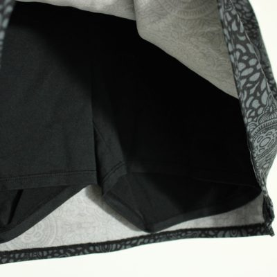 Tranquility By Colorado Clothing Black & Gray Patterned Athletic Skort | Size M