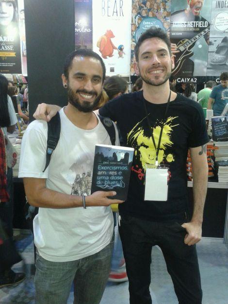 Eric Novello, um leitor e seu livro
