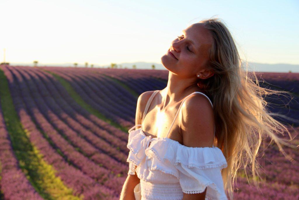 judith voyage coucher de soleil lavande