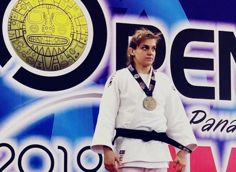 Urszula Hofman zdobywa srebrny medal na Continental Open w Limie.