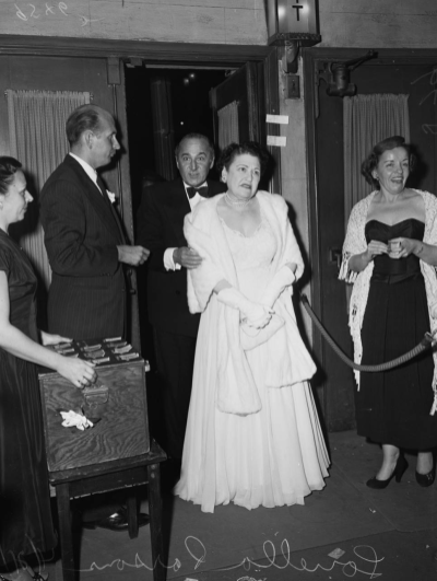 Louella Parsons arrive at Judy Garland's opening at the Los Angeles Philharmonic April 21, 1952