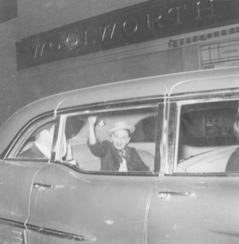 Detroit-1957-waving-goodbye