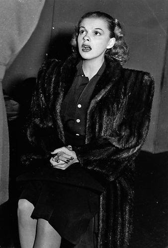 Judy Garland wearing fur, early 1940s