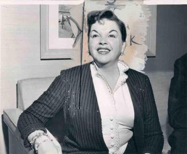 September-1,-1958-Press-Conf-at-Bismark-Hotel-Chicago-2
