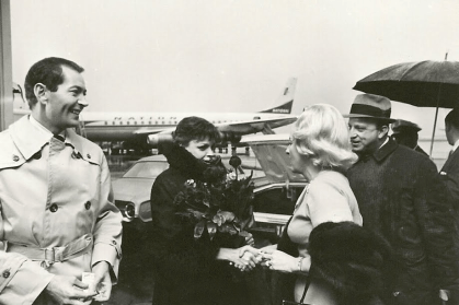 December-14,-1965-ColumnistMaxineMessenger-greets