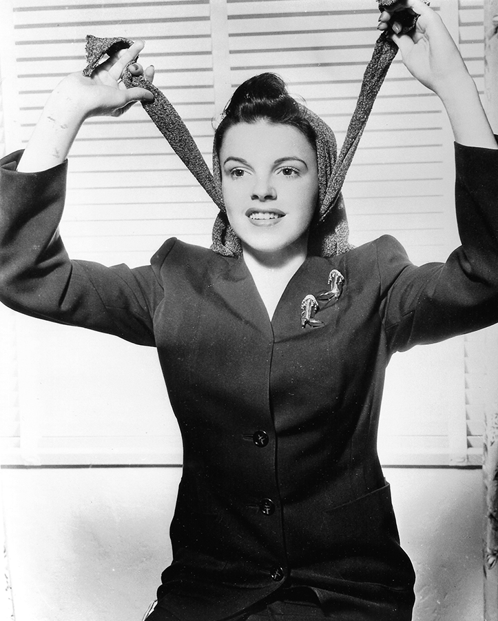 Judy-Garland-and-her-Snood