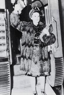 February-25,-1938-1938-TOUR-fur-on-train-2