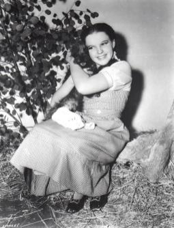 Judy-Garland-and-Toto-5