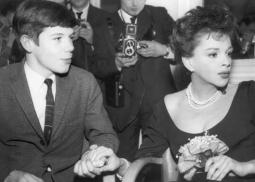1963-3-5-SavoyLondon16