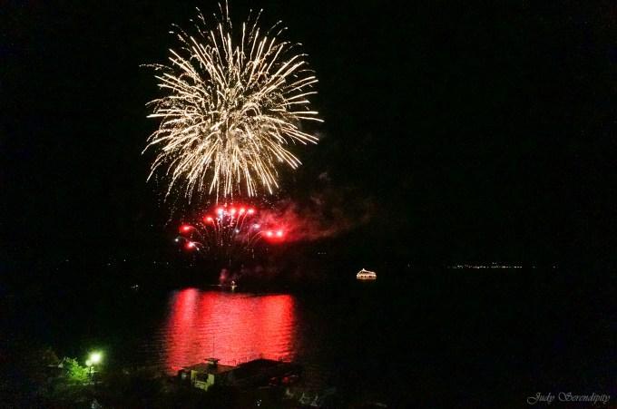 Judy Serendipity 就地行旅: [日本|北海道] 洞爺湖花火點亮了湖面