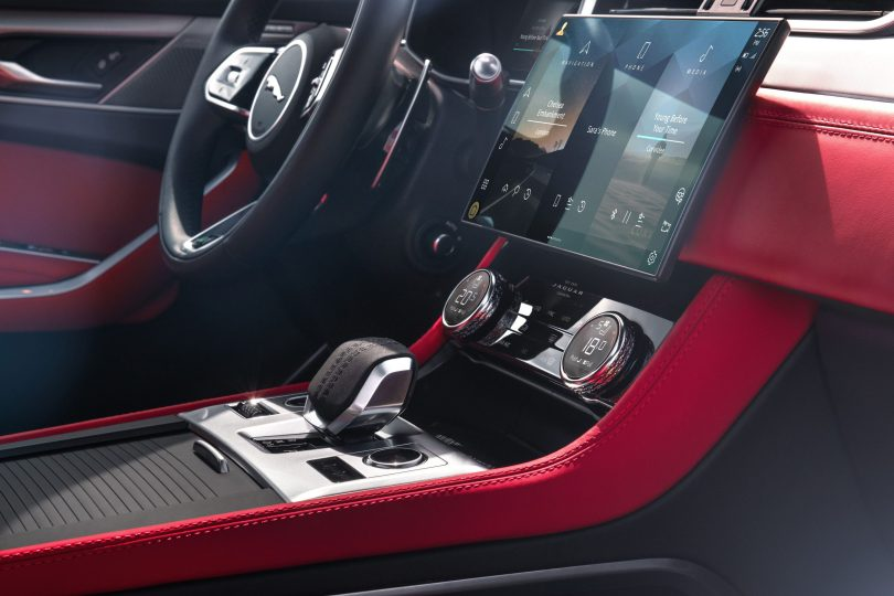 Jag_F-PACE_21MY_06_Location_Interior_06_Detail_150920