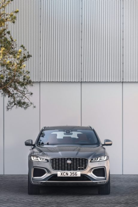 Jag_F-PACE_21MY_30_Location_Static_14_Front_150920
