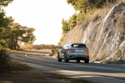 Jag_F-PACE_21MY_Location_Driving_150920_HR_DSC01609-4