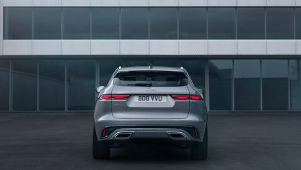 Jag_F-PACE_21MY_Location_Static_02_Rear_150920
