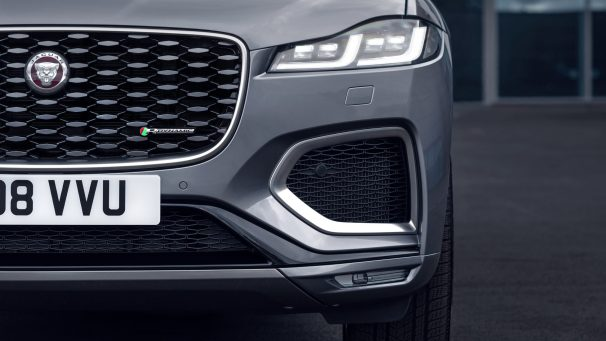 Jag_F-PACE_21MY_Location_Static_04_Detail_150920
