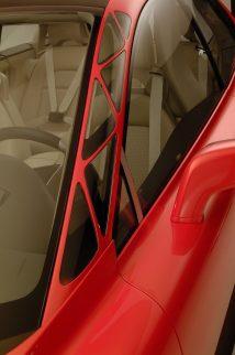 7026_Volvo_SCC_Safety_Concept_Car_2001