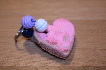 Hartjes voor Valentijnsdag van brooddeeg