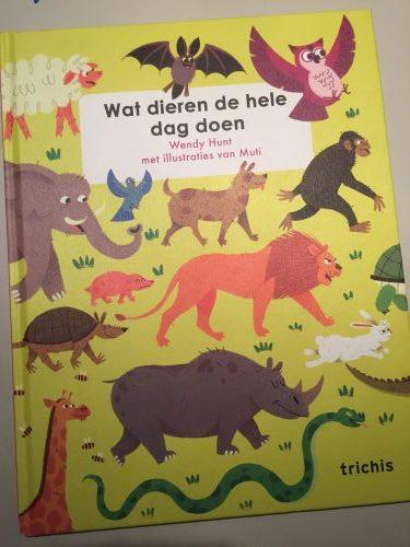 Recensie 'Wat dieren de hele dag doen'