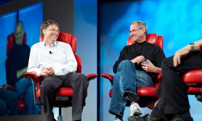 Bill Gates aprueba el código de vestimenta de la FIDE, Steve Jobs no