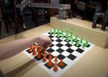 Mira este robot Raspberry Pi que juega al ajedrez