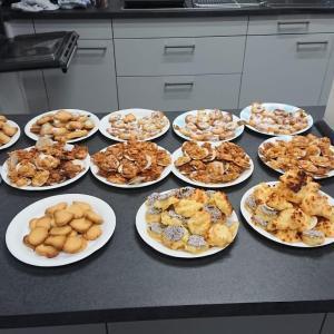 Kekse backen für die Weihnachtsfeier