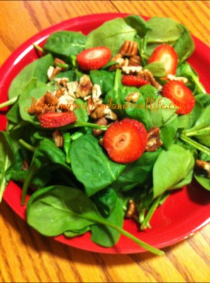Easy spinach and strawberry salad