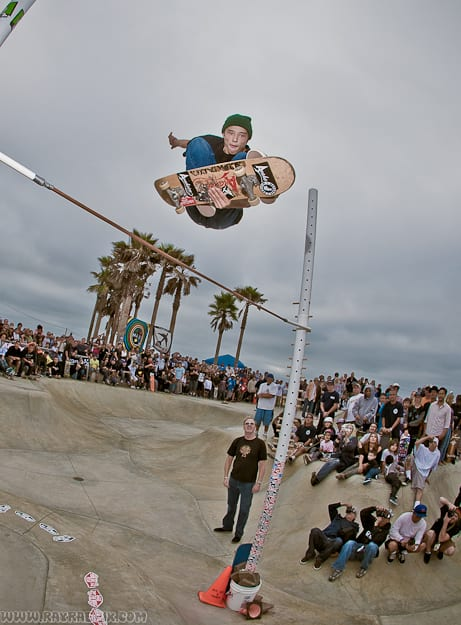 HIGHEST OLLIE CONTEST. PHOTO: RAY RAE GOLDMAN