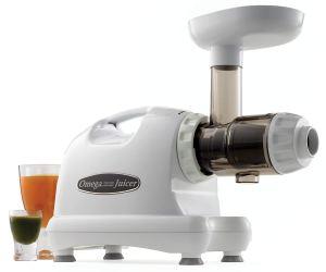 Omega J8004 Nutrition Center Masticating Juicer Review 1