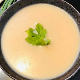 Rustic Onion & Lemon Thyme Soup (250g)