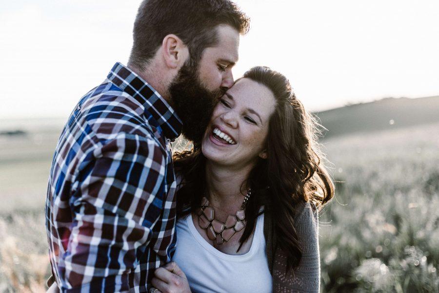 couple homme et femme ensemble relation saine comment arrêter d'être trompée