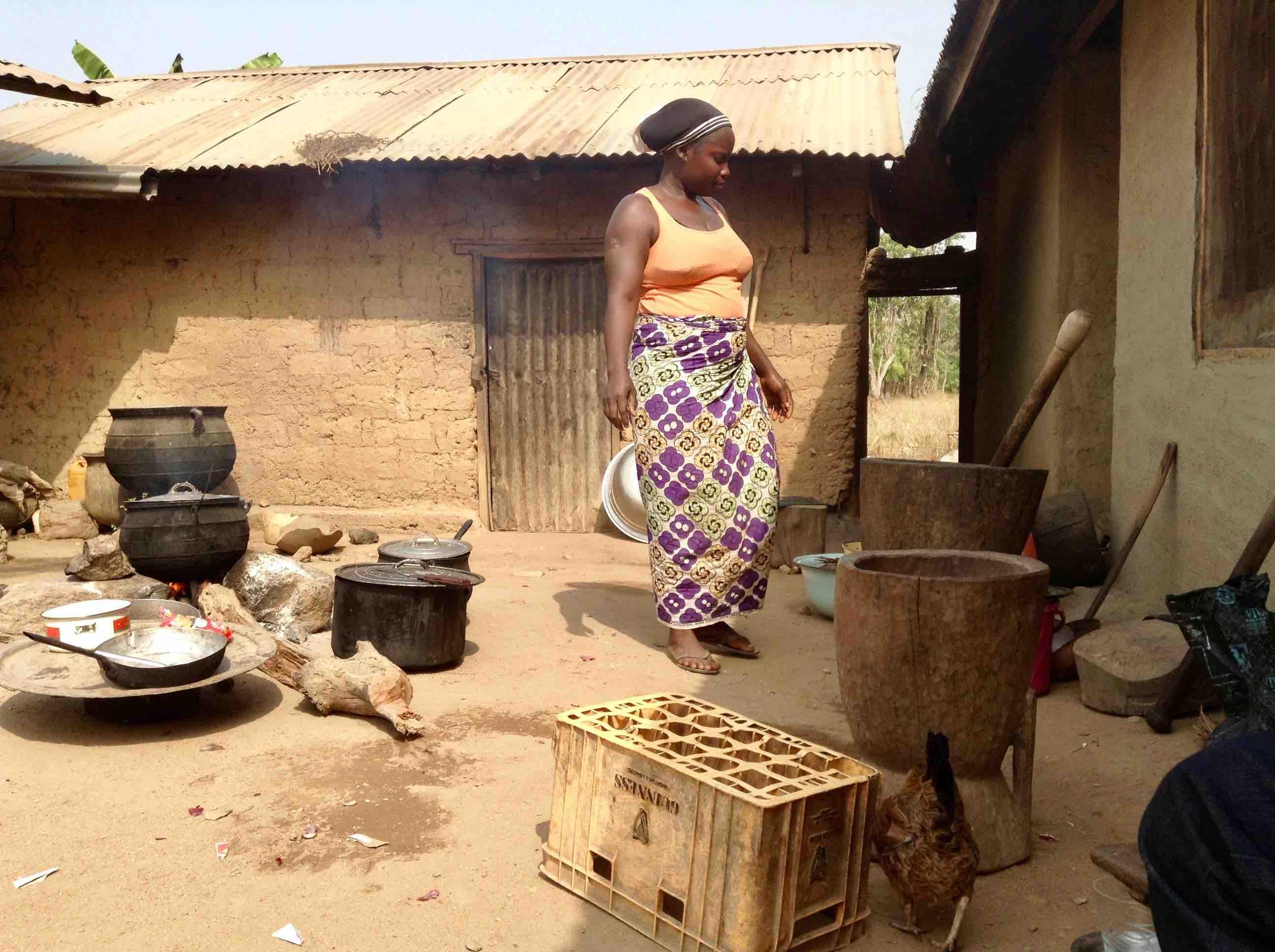 Docas Andrew, Ngas or Angas Woman, cooking, Langa Langa Village, Nasarawa State, Nigeria. #JujuFilms