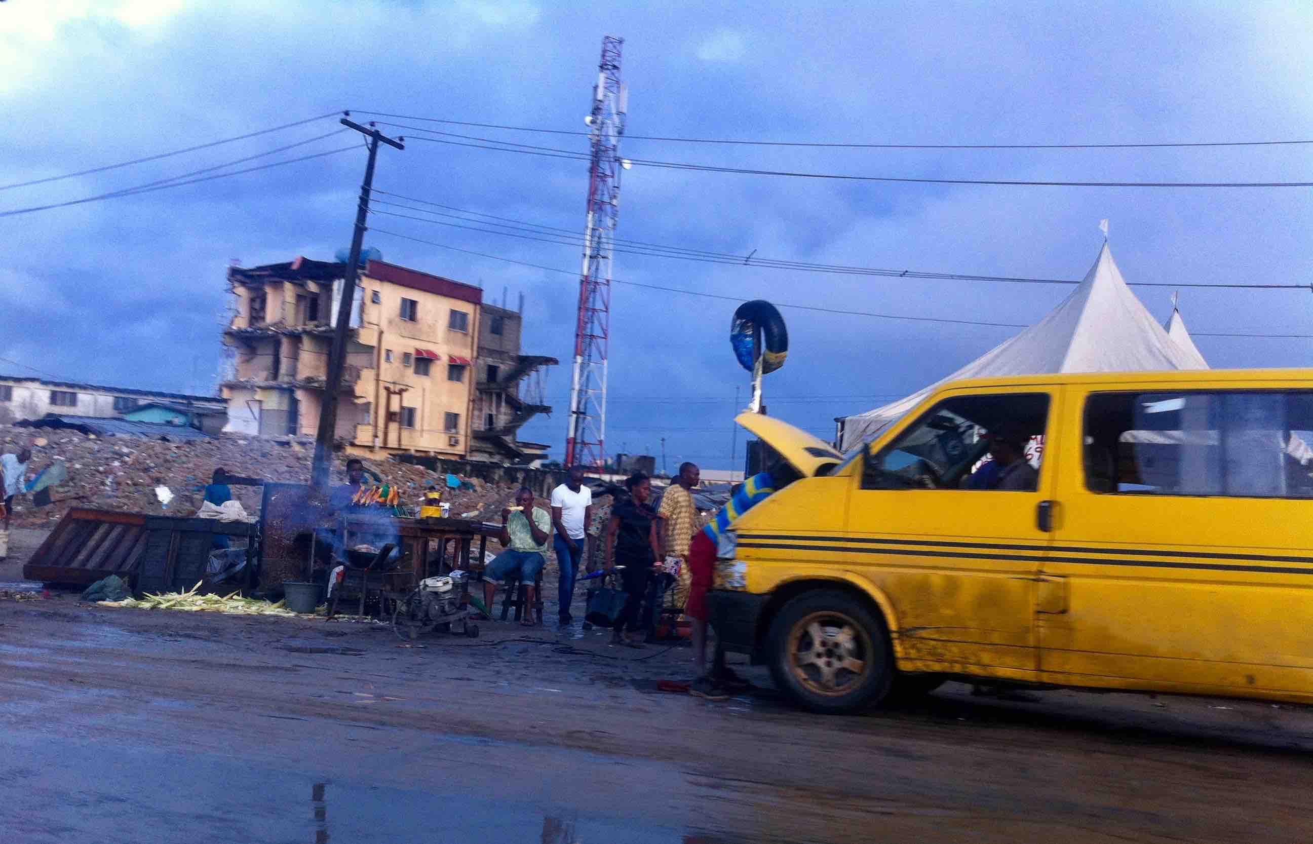 Street Food, Roast Corn, Lagos – Badagry Expressway, Lagos State, Nigeria. #JujuFilms