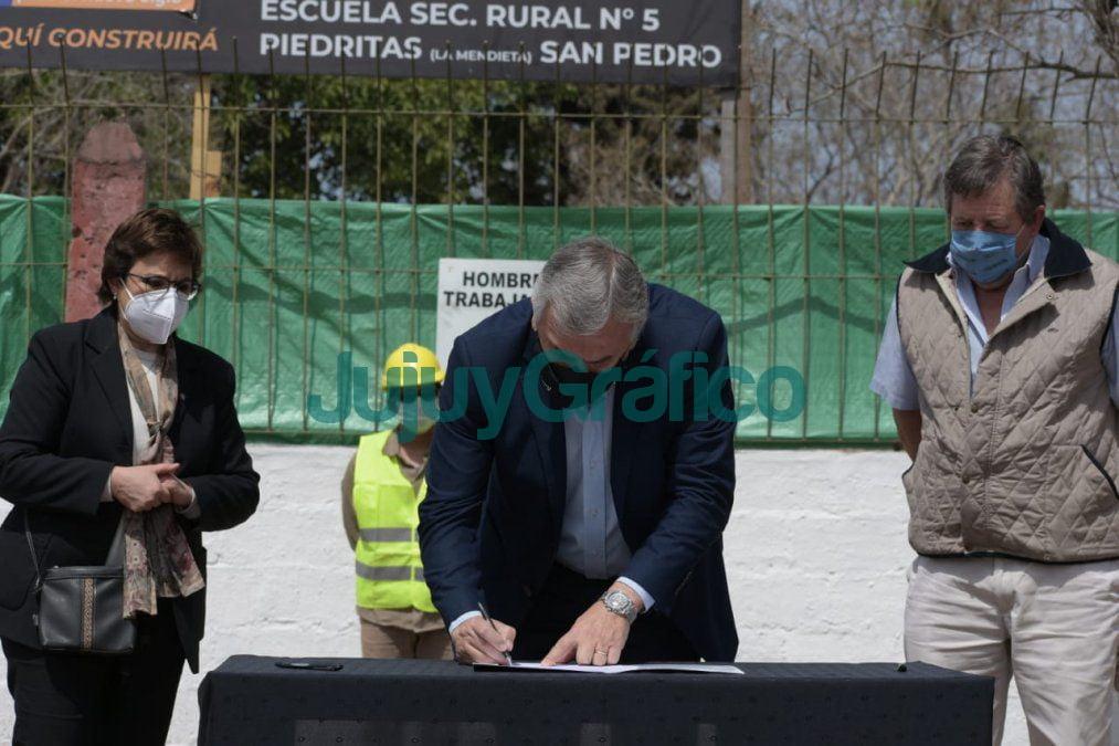 Construccion de una nueva secundaria en Lote Piedritas 3