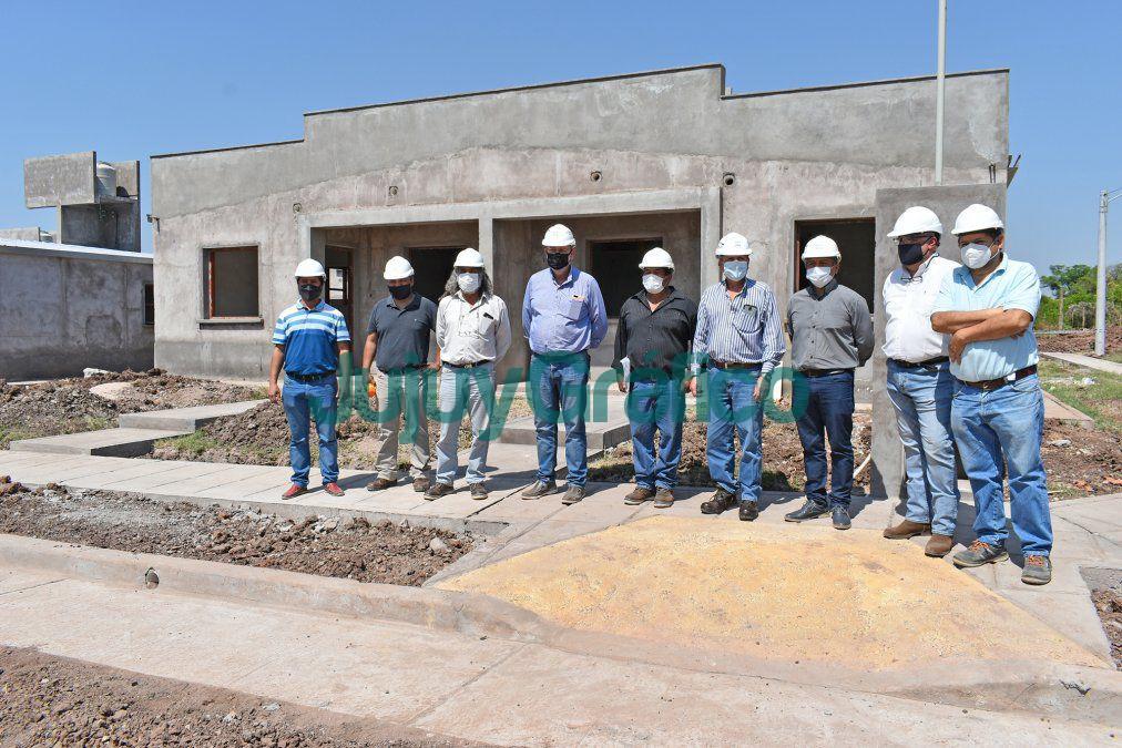 En Caimancito avanza la construccion de 50 viviendas del IVUJ 1