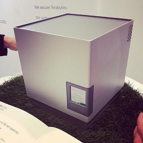 Silent Cubes: Archiviazione a lungo termine per tutti!