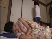 四十路jukujyoのお母さんに悪戯するおばさんの陰核動画