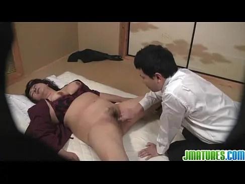 還暦のjyukujo60歳の旅館の仲居が患者におまんこをレイプされるおばさんの動画裏無料