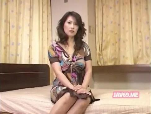 熟年離婚した五十路熟女が本能のままに性交したくてポルノビデオ体験してる日活 無料yu-tyubu