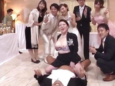結婚式で父親とセックスしたり親同士がセックスしたりと乱交状態なzyukuzyotv