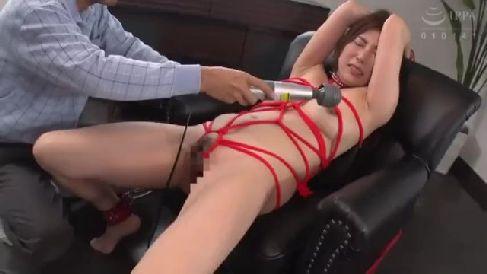 M女な人妻達が縄で縛られ興奮しておまんこを濡らして悶える熟女セックス動画