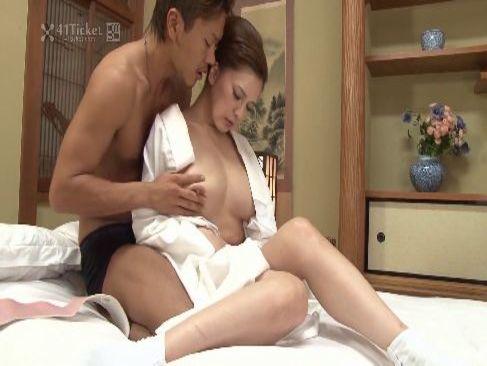 背徳交尾に感じてる50代の田舎の未亡人が濃厚なセックスをしてるjyukujo おばさん動画無料