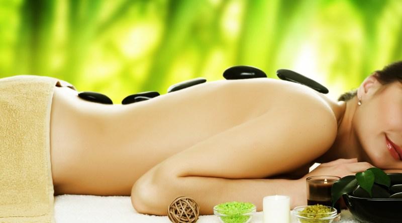 oplevelsesgave til hende, hot stone massage, oplevelsesgave massage, oplevelsesgave hot stone