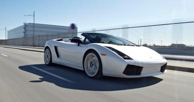 Lamborghini, oplevelse, oplevelse lamborghini kørsel, oplevelser til ham, julegaven til ham, julegaver til mænd, julegaven til manden der har alt, mænd julegaver, bil oplevelse, kør i en fed bil,